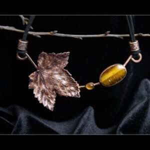 Currant leaf necklace with tiger's eye